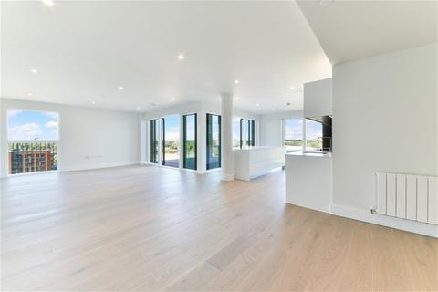 3 bedroom flat to rent - Cottam House, 305 Kidbrooke Park Road