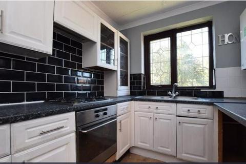 3 bedroom semi-detached house to rent - Latchmere Drive, West Park, Leeds