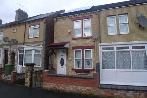 3 bedroom terraced house to rent - Buckle Street, Peterborough, Cambridgeshire. PE1 5DY