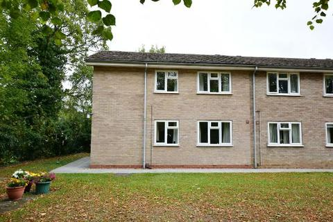 1 bedroom flat for sale - The Limes, Barnoldby Road, Waltham, Grimsby