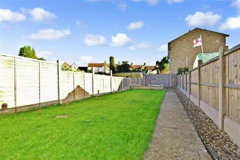 3 bedroom semi-detached house for sale - Hythe Road, Milton Regis, Sittingbourne, Kent