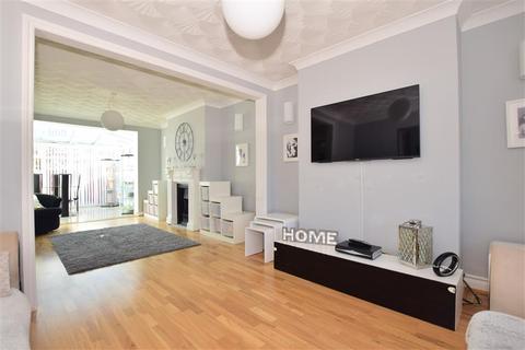 4 bedroom semi-detached house for sale - Coniston Close, Barnehurst, Kent