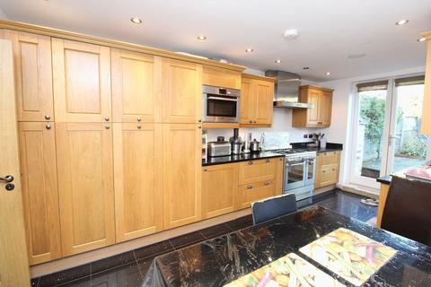 4 bedroom terraced house for sale - Gathorne Road, Wood Green, N22