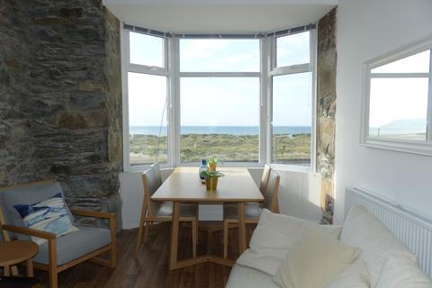2 bedroom apartment for sale - Apt 3 Cadir Sunset Beach Apartments, Barmouth, LL42 1NA