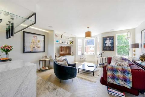 3 bedroom flat for sale - Queensmill Road, Fulham, London, SW6