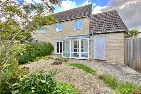 2 bedroom semi-detached house for sale - Roberts Close, Cirencester
