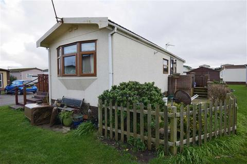 2 bedroom chalet for sale - West Shore Park, Barrow In Furness, Cumbria