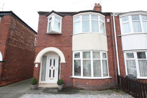 3 bedroom semi-detached house for sale - Kingsley Avenue, Hull