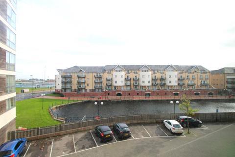 2 bedroom flat to rent - Sirius House, Celestia, Cardiff Bay, Cardiff