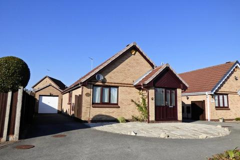 2 bedroom detached bungalow for sale - Longbow Grove, Stretton