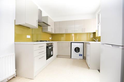 4 bedroom terraced house to rent - Mundella Terrace, Heaton, NE6
