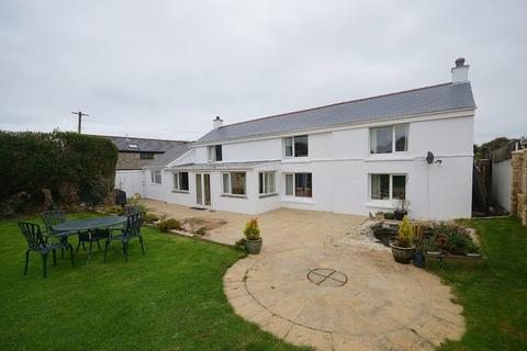 4 bedroom detached house for sale - Mount Hawke