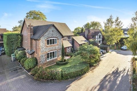 5 bedroom detached house for sale - Piermont Place, Bickley