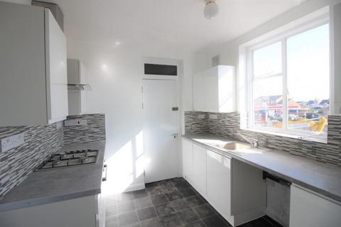 2 bedroom flat to rent - Hoe Lane, Enfield Wash, EN3