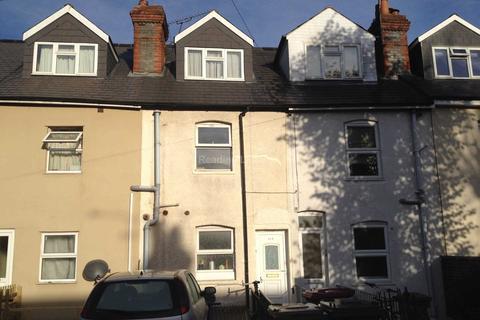 4 bedroom house to rent - Addington Road