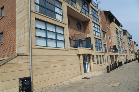 2 bedroom apartment to rent - Mariners Wharf, Newcastle Quayside.