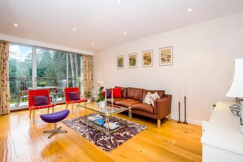 3 bedroom maisonette to rent - Knole Wood, Devenish Road, SL5