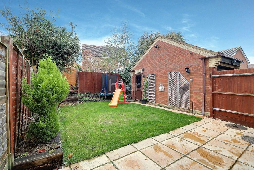 3 Bedrooms Detached House for sale in Denton Drive, Marston Moretaine