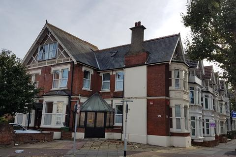 2 bedroom ground floor flat to rent - NORTH END   LONDON ROAD   UNFURNISHED