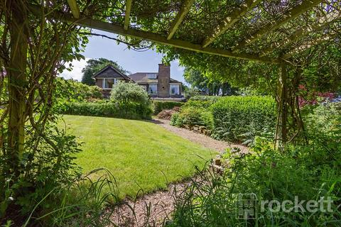 2 bedroom detached bungalow to rent - Moddershall, Stone