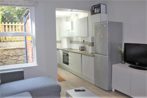 5 bedroom end of terrace house to rent - Beehive road, Crookesmoor, Sheffield S10