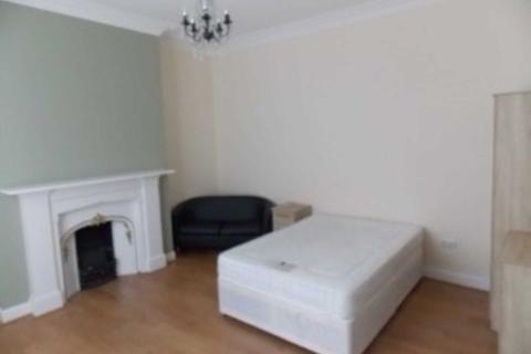 8 bedroom house share to rent - Mill Lane, Liverpool