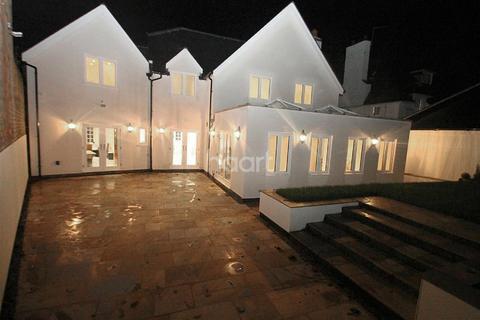4 bedroom detached house for sale - Woodland Avenue, Stoneygate