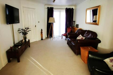 2 bedroom semi-detached house for sale - Burnell Gate, Chelmsford