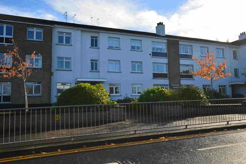 2 bedroom ground floor flat to rent - Fenwick Road, Giffnock, Glasgow, G46