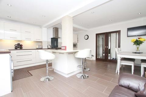 3 bedroom detached house for sale - The Retreat, Harrow
