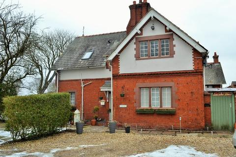3 bedroom character property to rent - The Old School House, Brickwall Lane, Liverpool
