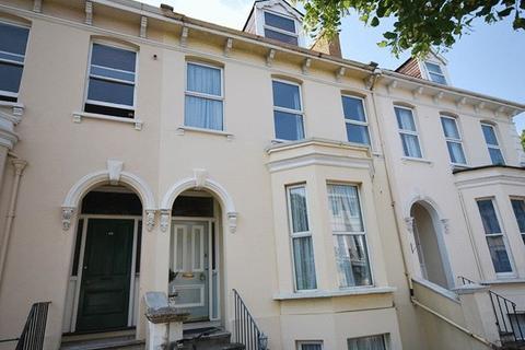 4 bedroom semi-detached house to rent - Hewlett Road, Cheltenham
