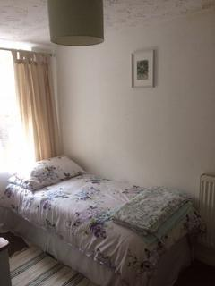 2 bedroom cottage to rent - serviced apartment