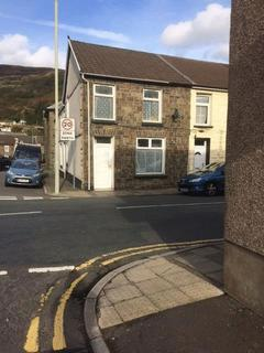 4 bedroom cottage to rent - large4 bed end of terrace serviced let all bills included