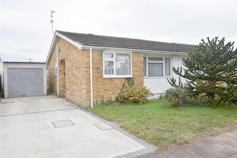 2 bedroom semi-detached bungalow for sale - Finch Grove, Hythe