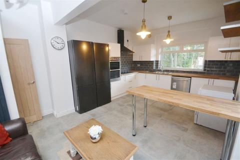 7 bedroom house to rent - Egerton Road, Manchester