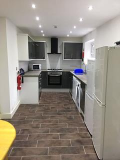 6 bedroom house share to rent - 6 Bedroom House on Landcross Road, Fallowfield