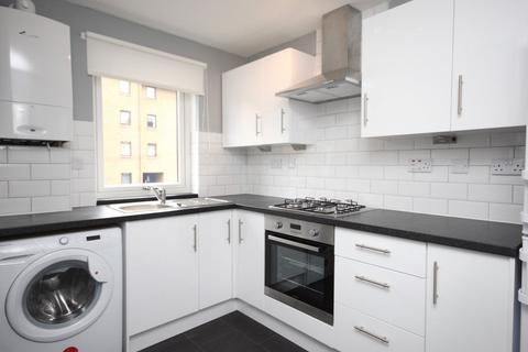 2 bedroom flat to rent - Boat Green