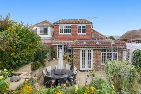 4 bedroom semi-detached bungalow for sale - Millcroft, Westdene, Brighton
