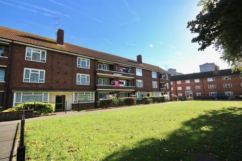 2 bedroom flat for sale - Princes Court, Portsmouth