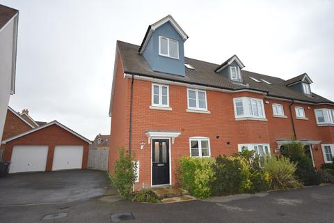 4 bedroom townhouse for sale - Emberson Croft, Chelmsford, CM1