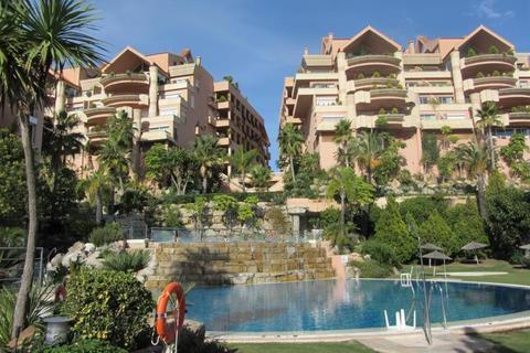 3 bedroom apartment  - Nueva Andalucia, Andalucia, Spain