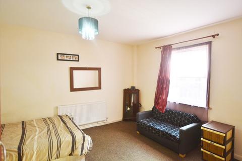 1 bedroom ground floor flat to rent - Allen Road N16