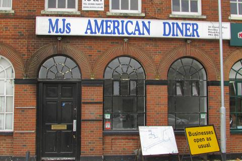 Restaurant to rent - Chandos Place, Bletchley, MK2