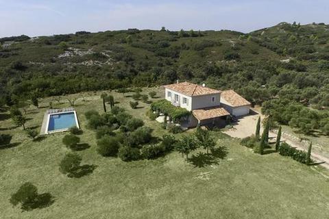 4 bedroom detached house  - Tarascon, Bouches Du Rhone, Provence