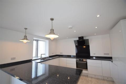 2 bedroom apartment to rent - Newham Road,Truro