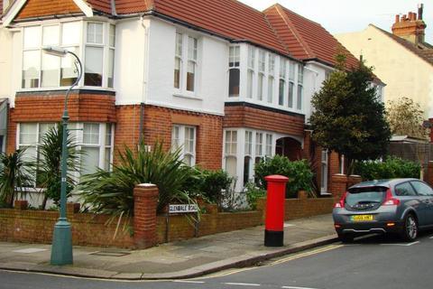 3 bedroom flat to rent - Lyndhurst Road, Hove BN3 6FB