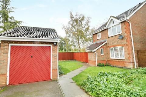 3 bedroom detached house for sale - Moore Close, Cambridge