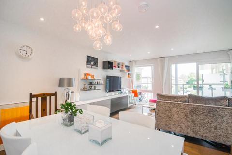 2 bedroom flat for sale - Kingston Riverside, Kingston upon Thames KT2