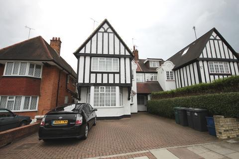 Studio to rent - West Heath Drive, Golders Green, NW11
